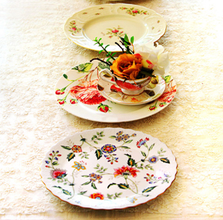 Showering Petals: Blossoms merge with floral tableware