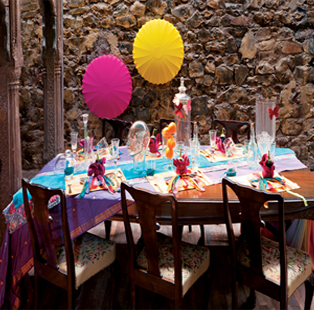 Add spunk to your New Year's Eve party with this colourful tablescape