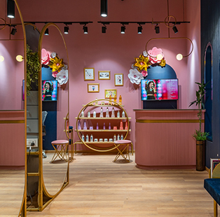 Ahmedabad based Amogh Designs channels a chic ambience for this salon