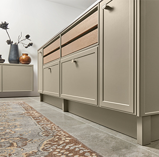 Nolte Kitchens brings in a suave blend of the old and new with their Neo Classic Kitchen range