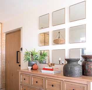 Mansi Sethna Pandey of The Design House Company adheres to a newfangled Mediterranean style in this Mumbai apartment